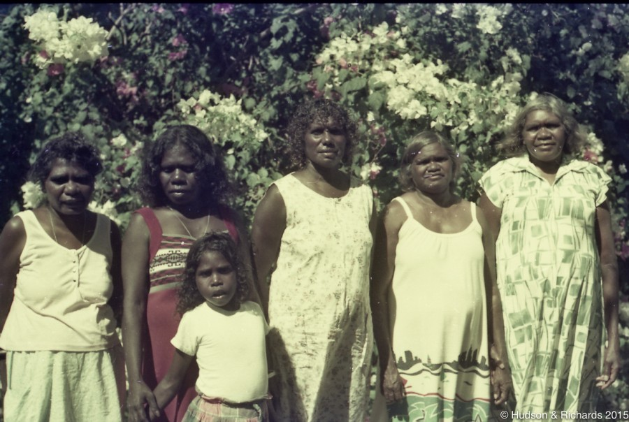 """C112 Kathy Green with maybe Halls Creek mob"""